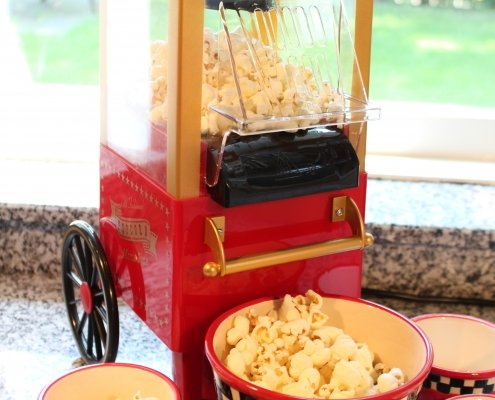 Miniature popcorn machine